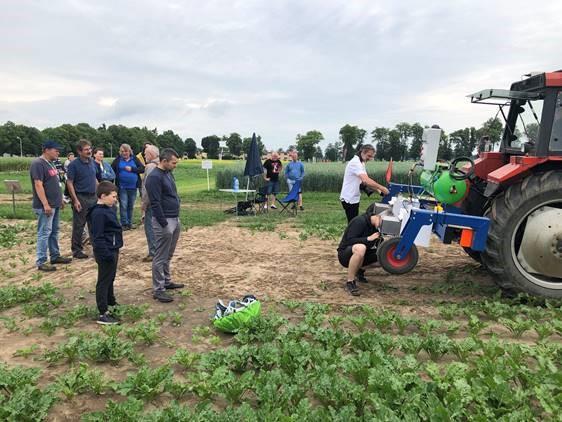 Stroj umí rozlišovat plodiny a plevel v různých polohách a velikostech, přestože jsou velmi blízko, zdroj: Ullmanna